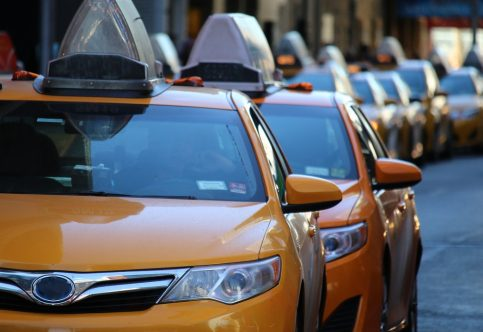 taxi-1999009_1280 (1)