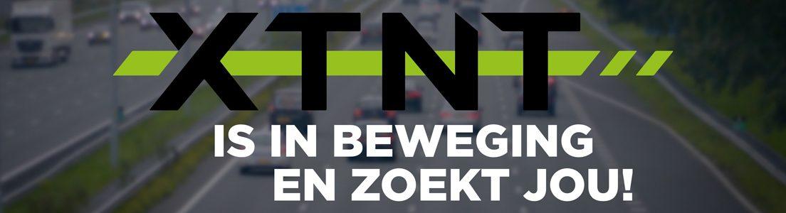 snelweg met logo van XTNT en tekst 'XTNT is in beweging en zoekt jou!' Adviseur Minder Hinder